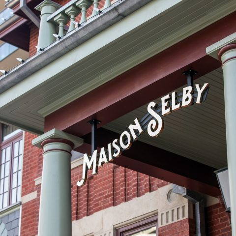 Maison Selby Solid Design Creative